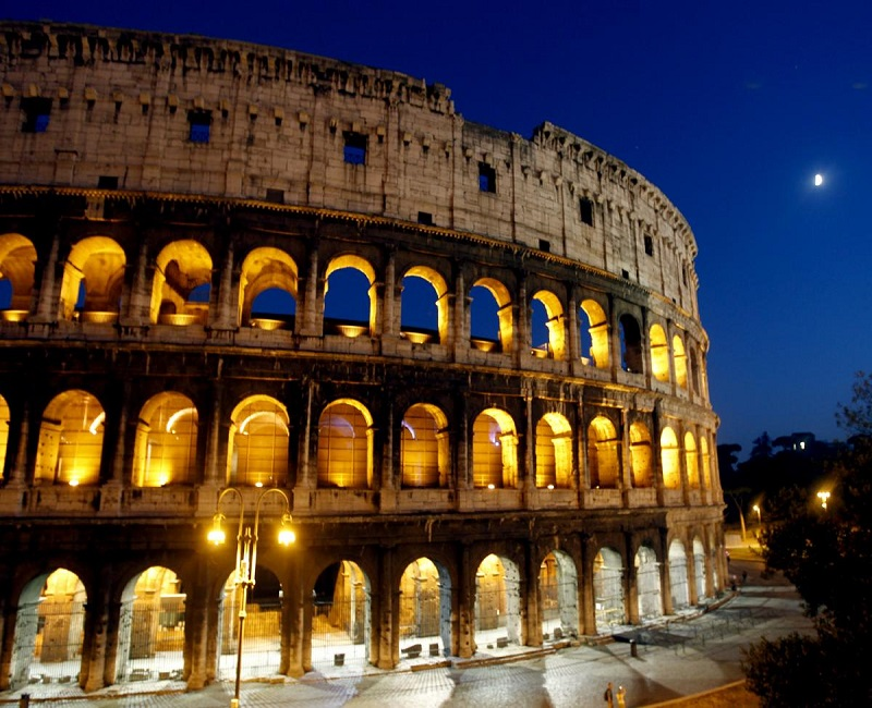 The Colliseum in Rome at night