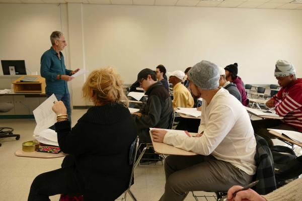 Prominent Hollywood writer and director Robert Spera last month conducted a workshop for film students enrolled at the University of New Orleans School of the Arts.