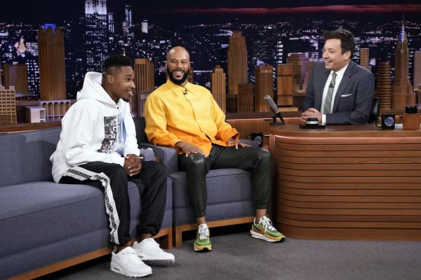 "University of New Orleans alumnus and rapper Ray Wimley of New Orleans, is pictured with rapper and actor Common, and The Tonight Show host Jimmy Fallon during ""Wheel Of Freestyle."" (Photo by: Andrew Lipovsky/NBC)"