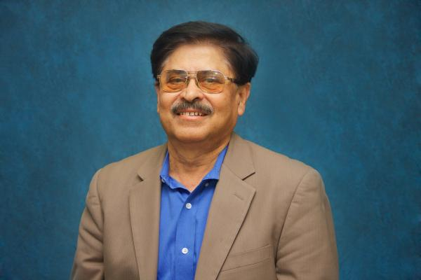 Tarun Mukherjee, who's primary expertise is in corporate finance, has established the Kali Charan Mukherjee Endowed Scholarship in Finance for University of New Orleans students.