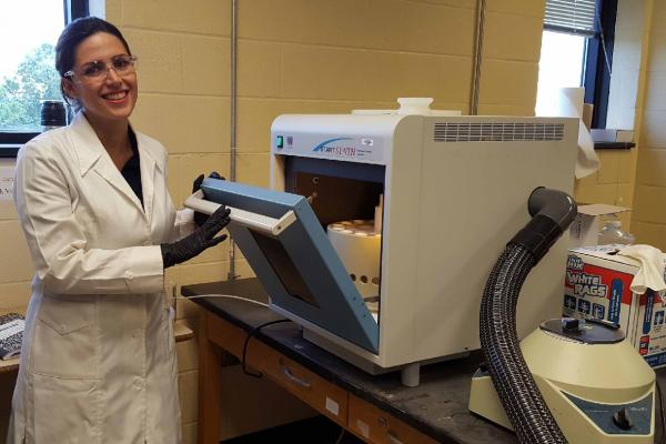 As a graduate student at UNO, Sara Akbarian-Tefaghi demonstrated that a microwave oven could be used to significantly reduce the time required to prepare layered nanomaterials for use. She received a Ph.D. in chemistry from UNO in May.